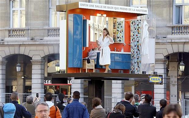 http://www.deseomarketing.es/tendencias-en-publicidad-vallas-publicitarias-vivientes/
